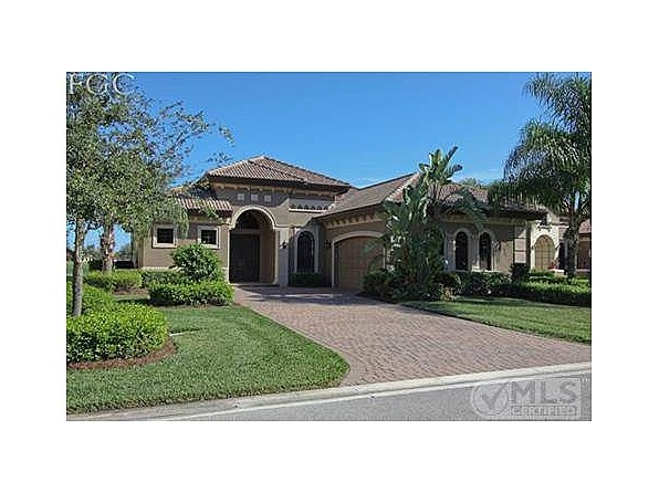 For Sale $389,000 - 11845 Rosalinda Ct, Fort Myers, FL 33912