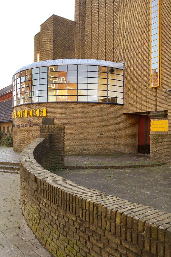 Architect S.J. Bouma, Vensterschool Parkweg Groningen, 1927. Versteende Welvaart – Normafotografia