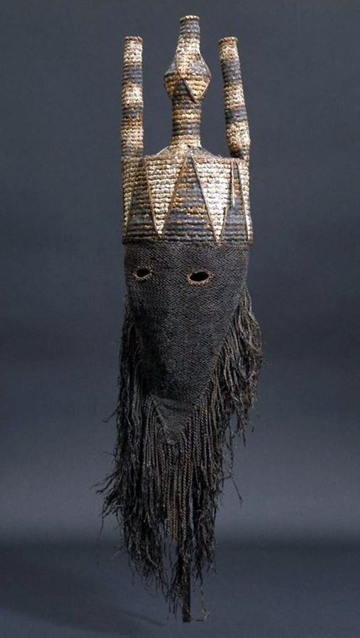 DR Congo | Mask for the Idangani Society, from the Salampasu people of Lulua Province, Cloth, pigment, wicker and fiber | Early 20th century