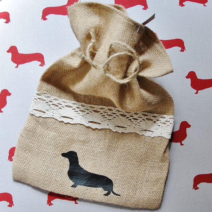 Little Sausage Dachshund Sausage Dog Vintage Gift Loot Bag Hessian Burlap String Tie 25x35 cm perfect for long doggy lovers FREE POST by ShanonaDesigns on Etsy