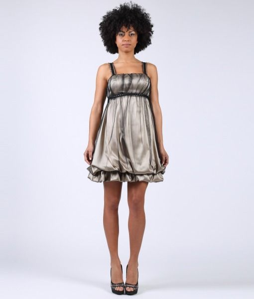 #ItalianStyle #madeinitaly #wearitalian Balloon type dress in satin and tulle with trimming details in black and satin ribbon in the back.