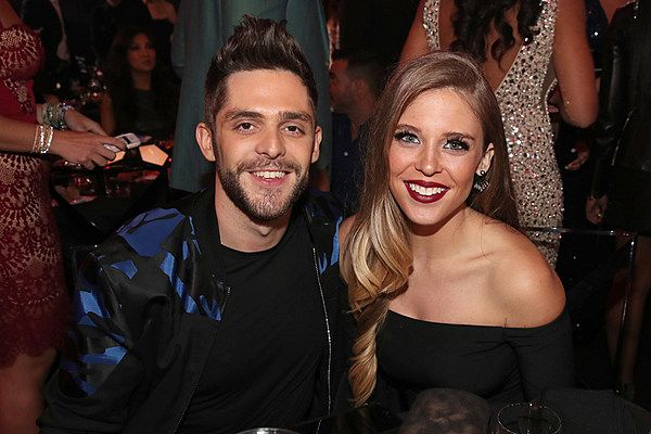 Thomas Rhett's First Christmas With His Girls Was Sooo Sweet! [Pictures]