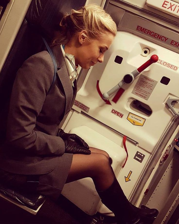 ✈️ @amandarosqvist ✈️ • • • • #fa #cabincrew #cabincrewgirls #crewlife #crew #uniform #topcabincrew #stewardess #jetlagged #flightattendant #cabincrewlife #aviation #dreamjob #airhostess #aircraft #flygirl #crewfie #flightattendantlife #airport #bestjob #abovetheclouds #jetlag #boeing #airbus #wings #travel