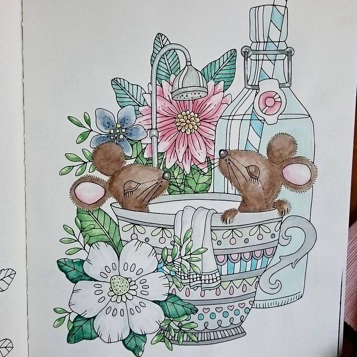 Ännu en ljuvlig bild från #sagorochsägner #lidehalloberg Vattenfärger gör sig väldigt bra i boken, om man inte tar så mkt färg på penseln åt gången. #målarbokförvuxna #kreativvarjedag
