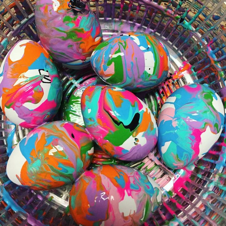 """77 Likes, 4 Comments - Laura King (@kindergartenteachertired) on Instagram: """"Salad spinner marbled eggs! 🐣 Thanks @lakesideartstudio for this amazing idea! 😘 They turned out so…"""""""