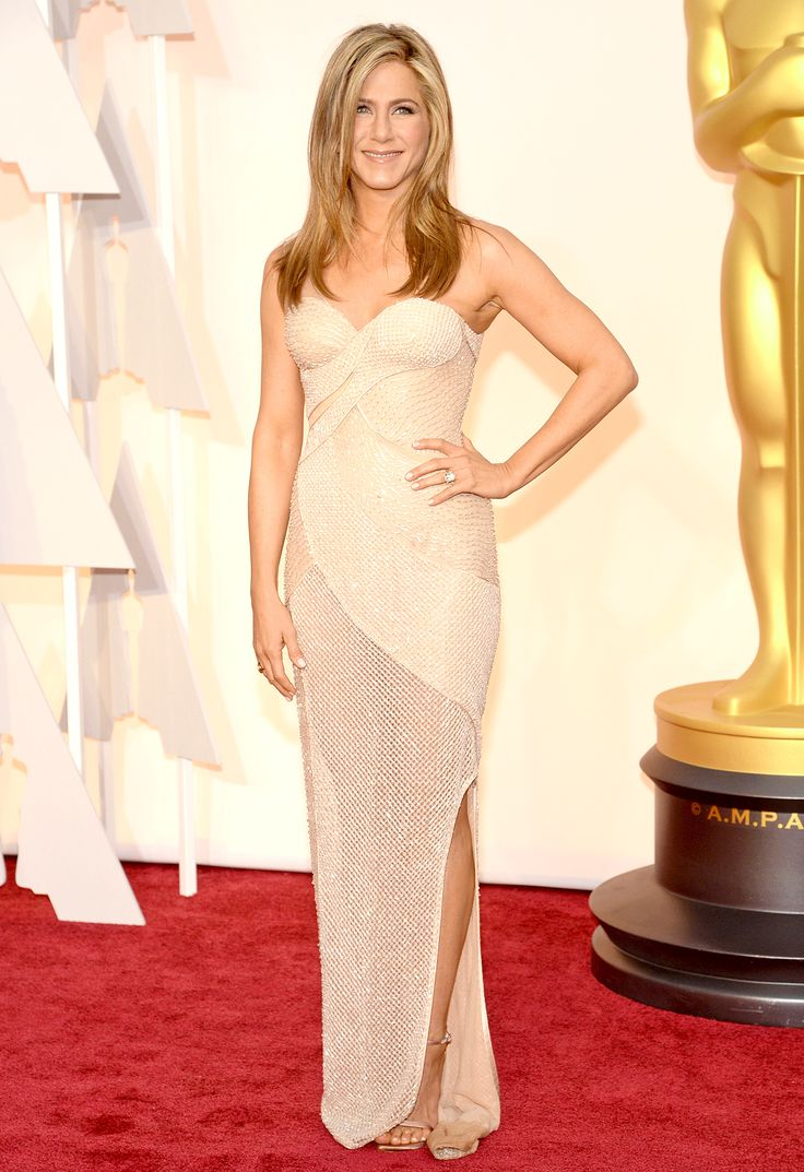 Jennifer Aniston's Bridal Moments on the Red Carpet: See the Newlywed's Best Wedding Dress Looks