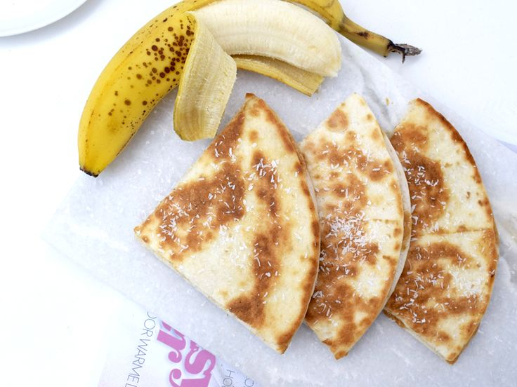 Deze zoete quesadilla met pindakaas en banaan is perfect als ontbijt, lunch, of misschien zelfs wel als toetje. Glutenvrij, suikervrij en vegan!