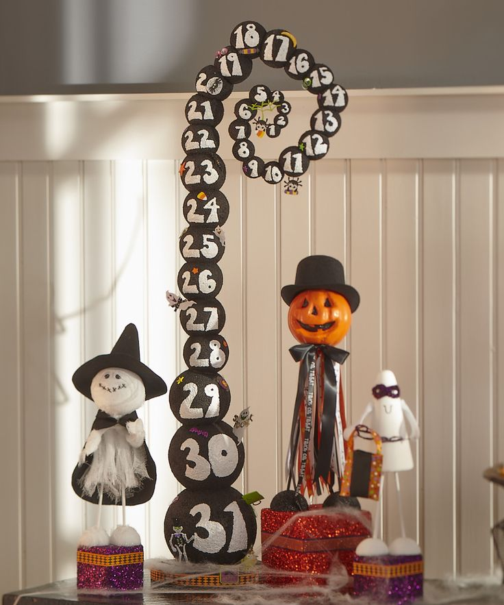 FloraCraft® Creepy Countdown #halloween #craft. I saw this in the magazine and want to make it so bad but with Jack Skeleington