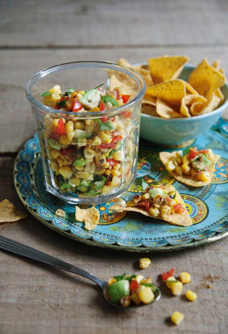 Fruchtige Salsa aus Mais, Avocado und Tomate - perfekt für knusprige Nachos oder den nächsten Grillabend   Zeit: 25 Min.   http://eatsmarter.de/rezepte/salsa-aus-mais-avocado-und-tomate