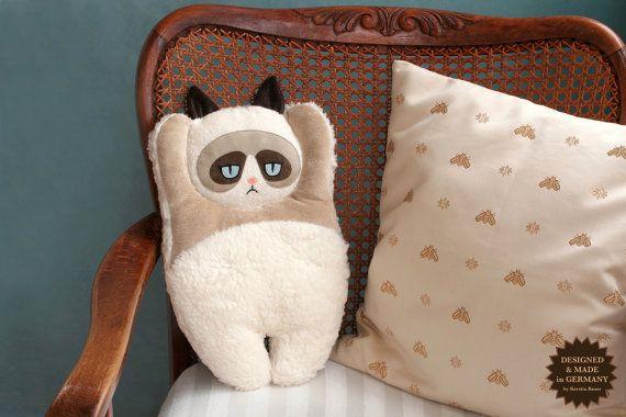 Mürrische Katze Heizung Kissen Cover von PetitiPanda auf Etsy