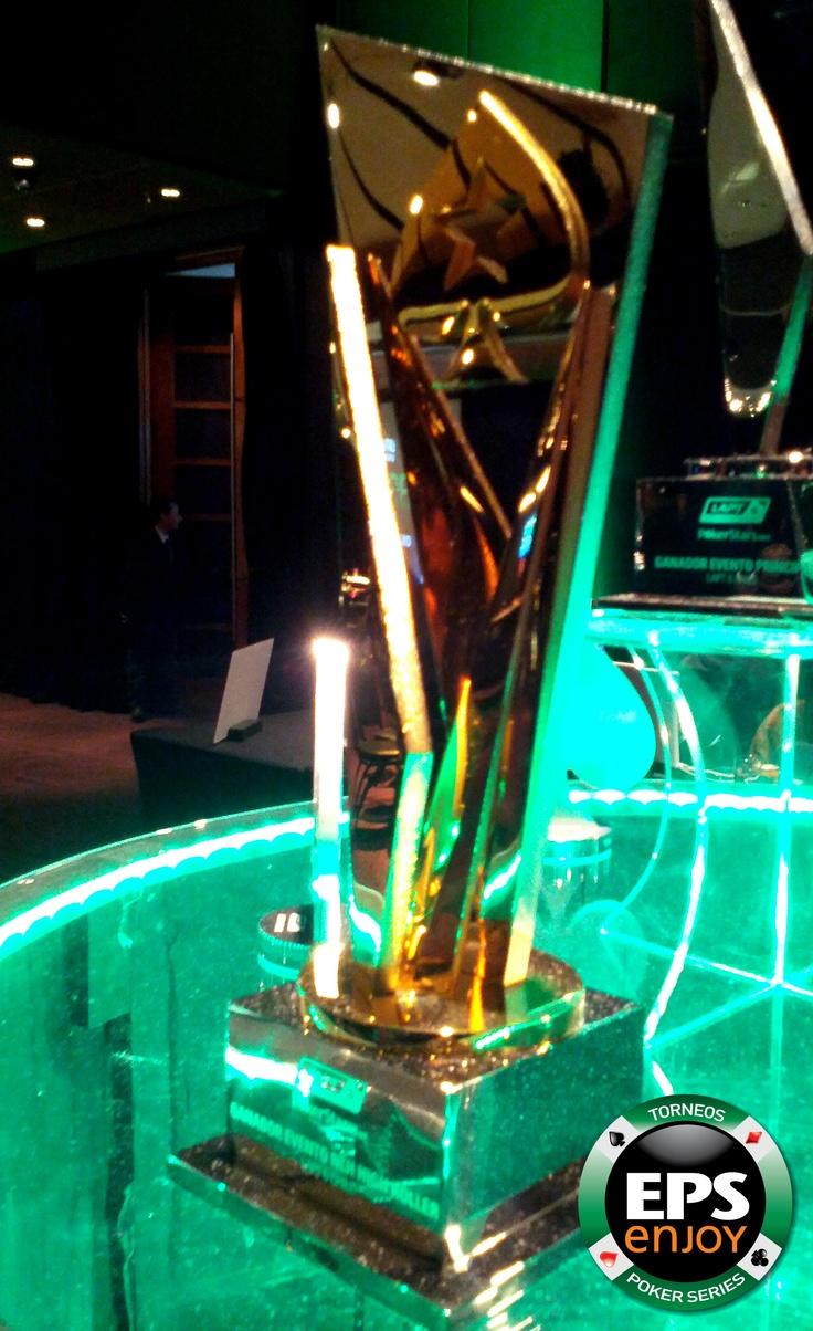 Este es el bonito trofeo que se llevo el ganar del torneo LAPT 2013, Pablo Taviatian.