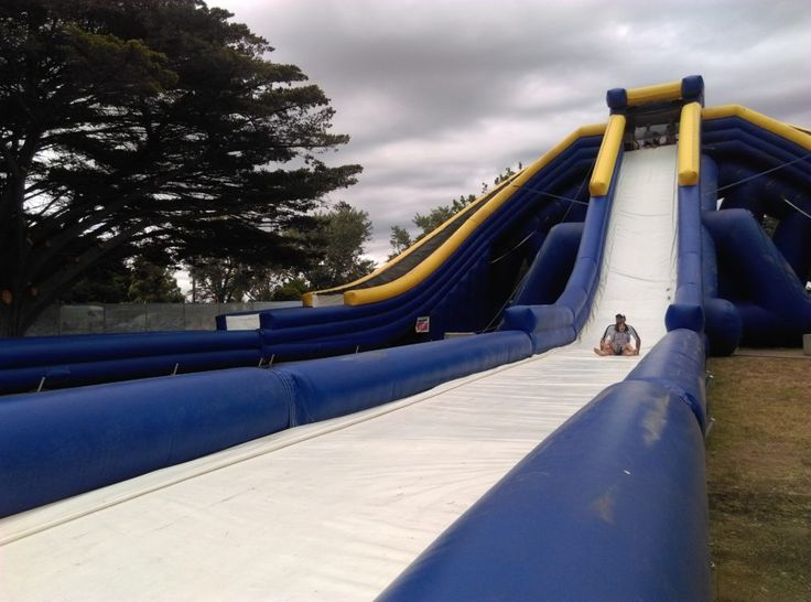 HOT: Splashland Inflatable Water Slide Park, Mornington Racecourse and Caulfield Racecourse http://tothotornot.com/2016/12/splashland/