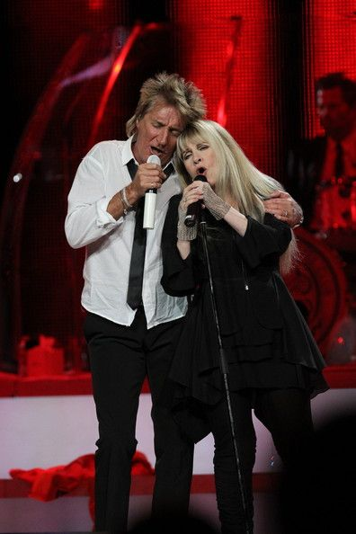 Rod Stewart And Stevie Nicks In Concert