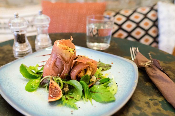 Wrap di tonno pinna gialla affumicato con ricotta raw di anacardi, insalatina Iceberg, funghi e zesta di lime_MissClaire_Draw_http://www.missclaire.it/foodbeverage/draw-x-3-con-molte-novita/