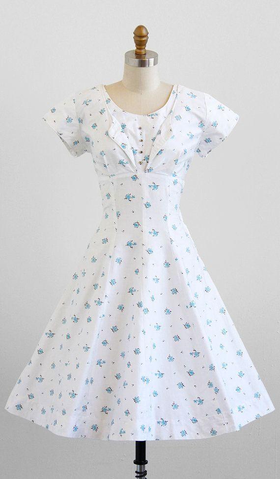 vintage 1950s blue + white floral brushed cotton dress.