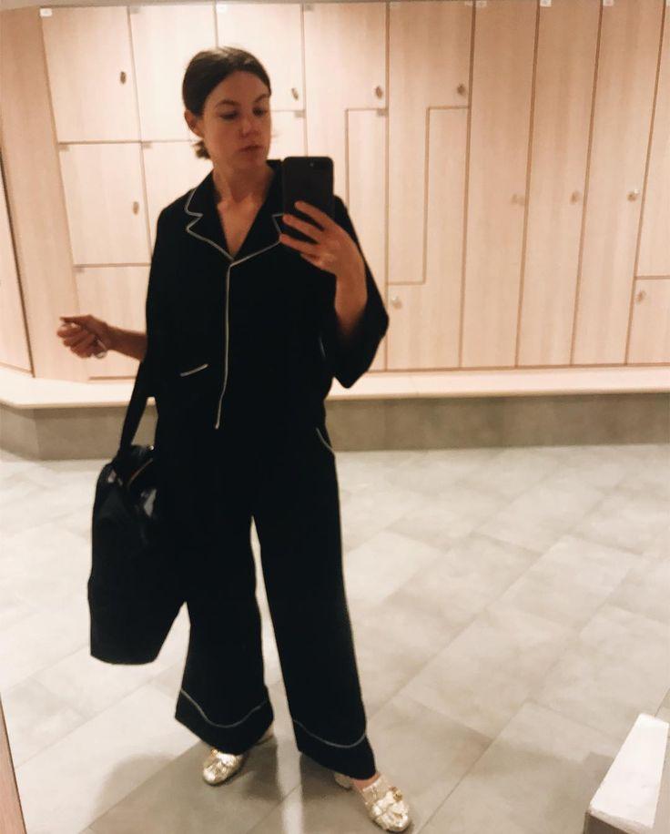 """69 gilla-markeringar, 2 kommentarer - Eleonore Nygårds (@nygards) på Instagram: """"Glömt vart gymmet låg. Tur man kan dopa sig med astmaspray."""""""