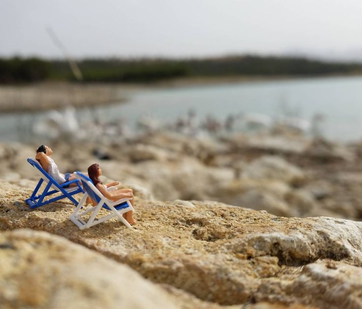 Y si pudieramos congelar el tiempo y quedarnos aquí para siempre? #enelbosque #terrarium #terrario #miniature #minimalpeople #pequeñoshabitantes #relax #paisaje #parasiempre #life #instagood #craft