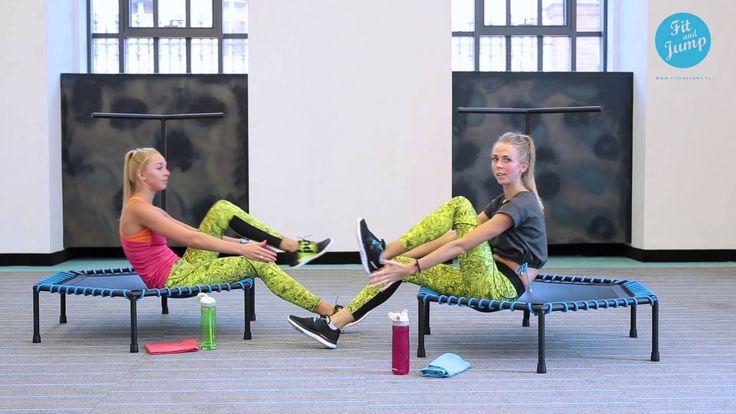 Brzuszki na trampolinie Fit and Jump! Poćwicz z Nami i ciesz się efektami! #trampoliny #trampolines #workout #trening #sit-up #training #body #ciało #ćwiczenia #sylwetka