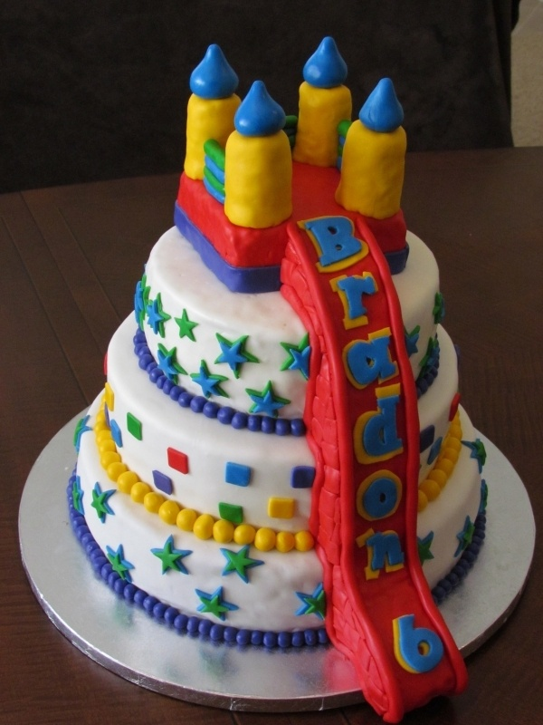 bounce house cake - maybe without the slide, just with a small slide like a real house??