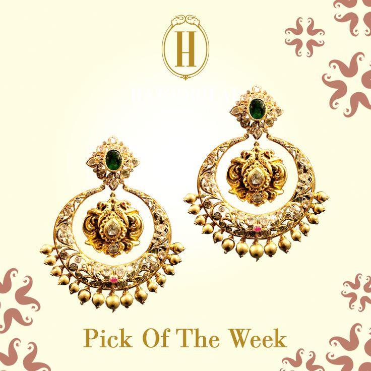 Bask in the glory of the majestic moon. #HazoorilalLegacy #Hazoorilal #Jewelry #Chandbalas #Earrings #Gold #KundanPolki