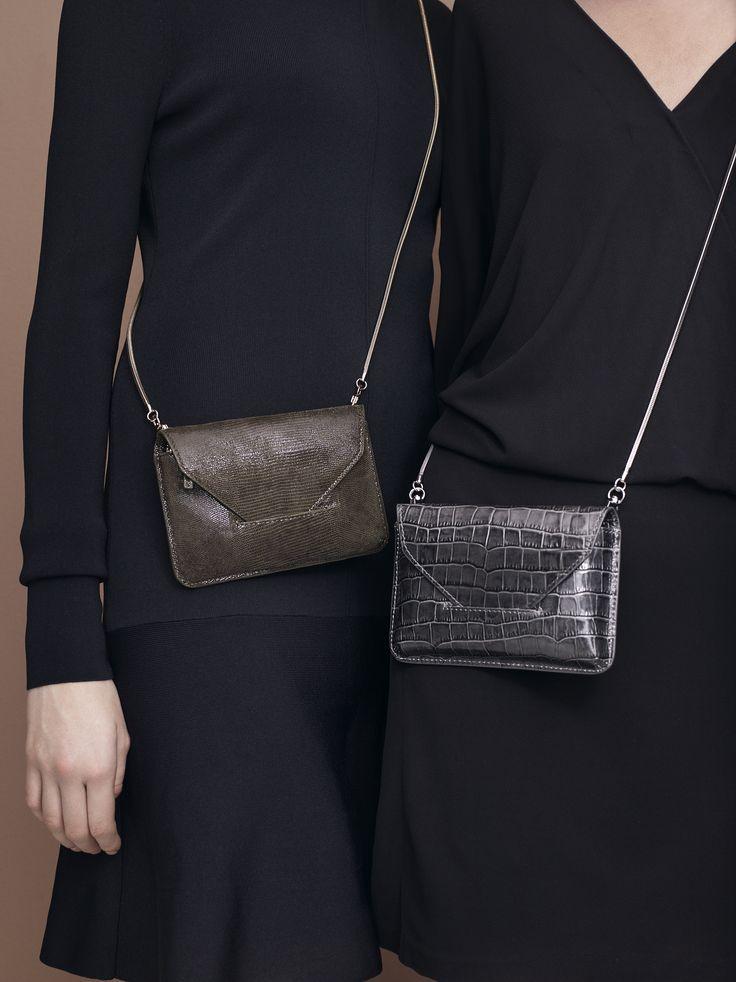 Bye bye große Taschen! In diesem Jahr sind Mini-Bags der unsere Lieblings-Wegbegleiter.