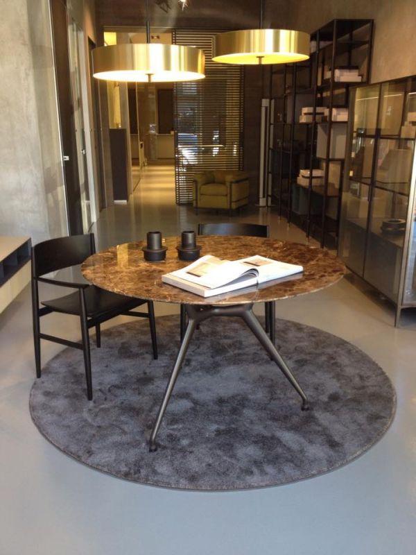 Ronde Tafel Marmer.Rimadesio Manta 06 Rond Marmer Blad Tables Chairs In