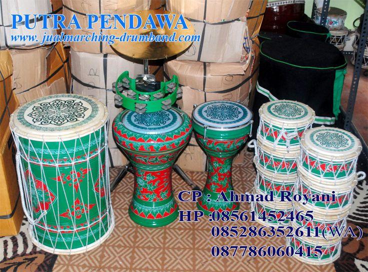 Kami menjual peralatan Paket Marawis Batik Warna dasar Biru  baik secara online maupun ofline di toko kami.  Adapun Paket  Marawis Batik terdiri dari:      8 pcs marawis polos + Tas     1 pcs Hajir polos + Tas     1 pcs Tumbuk Batu polos + Tas     1 pcs Tumbuk pinggang polos + Tas     1 set SIMBAL, Tamborin/ markis beserta stand + Tas  http://www.jual-rebanamarawis.com/2012/07/marawis-kuning-motif-batik-merah.html