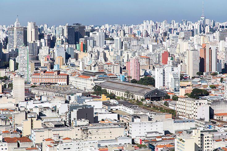 https://flic.kr/p/vFCJrw | fotografia aérea de São Paulo | fotografia aérea de São Paulo no centro da imagem: estação Júlio Prestes, Sala São Paulo e Estação Pinacoteca (antigo DOPS). No alto, à esquerda: centro de São Paulo, e à direita, espigão da Paulista.  [aerial view - Sao Paulo, Brazil]