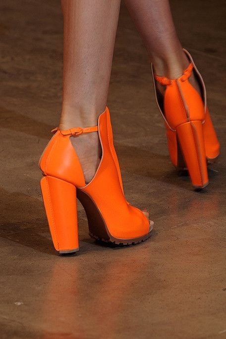 What the heel I love these shoes, they are so beautiful, chunky heels are best.