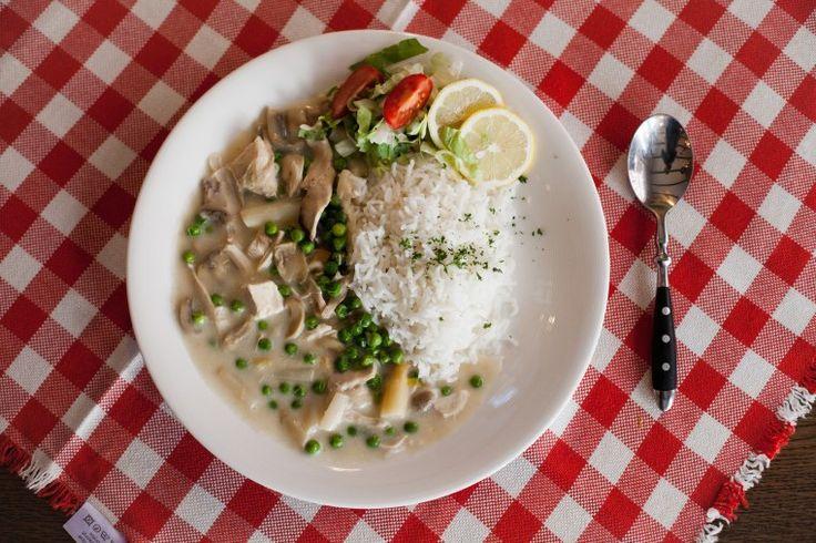 REISHUNGER Basmati Reis mit klassischem Hühnerfrikasse #reishunger #basmatireis #basmati #reis #hühnerfrikasse #deutscheküche #vollwert #glutenfrei #spargel