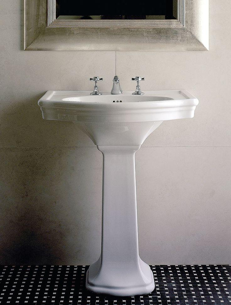 Devon&Devon Lavabo New Etoile Lavabo di ispirazione classica con frontale tondo e colonna da terra, realizzato in ceramica nei colori bianco o nero. La collezione New Etoile comprende inoltre wc e bidet da terra o sospesi.