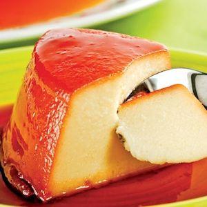 En mi casa somos muy queseros, así que cuando hago flan de queso todo el mundo se pelea por repetir.