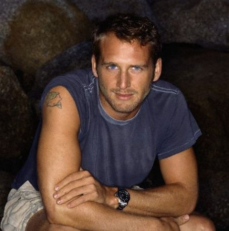 Josh Lucas. Another yummy one! Something about the dark hair, blue eyes, and scruff!