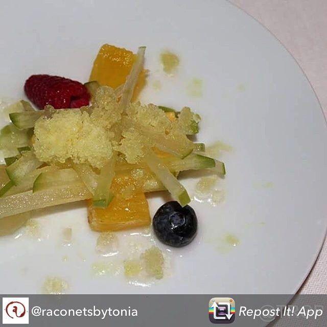 Os desafiamos a venir a probarlo  Repost from @raconetsbytonia - Lingote de fruta de la pasión macedonia y granizado de maria luisa  #Restaurant #Gastronomia #food #Kitchen #Chef #Foodie #Igfood #instafood #Restaurante #Gourmet #GoodFood #TopRestaurant #hotel #hotelviews #travel #viaje #viatge #vouyage #reise #travelling #instatravel  #boutiqueHotel #luxury #exclusive #Instatravel #Travelgram #instagood