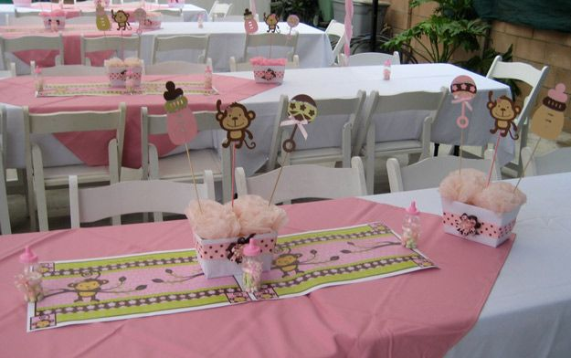 baby shower decoration ideas | Cecilia made a base for the table decorations by layering white and ...
