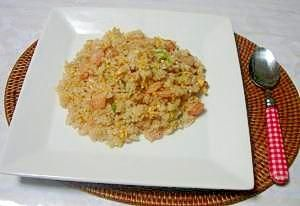 「本格的なのに簡単!シーフードミックスde海鮮炒飯」簡単で本格的な中華料理屋さんの炒飯です。【楽天レシピ】