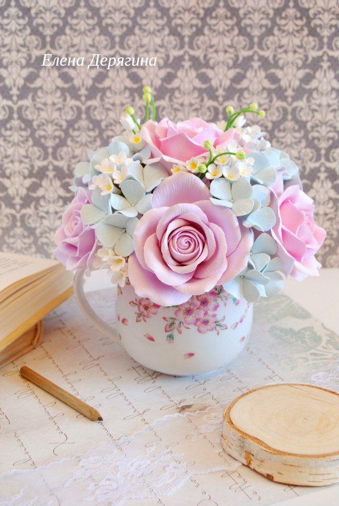 цветочная композиция из полимерной глины