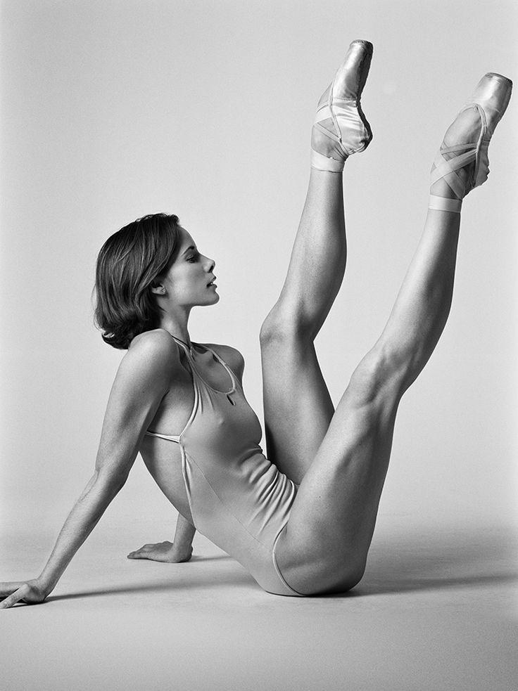 Гимнастки спортсменки шпагат голые