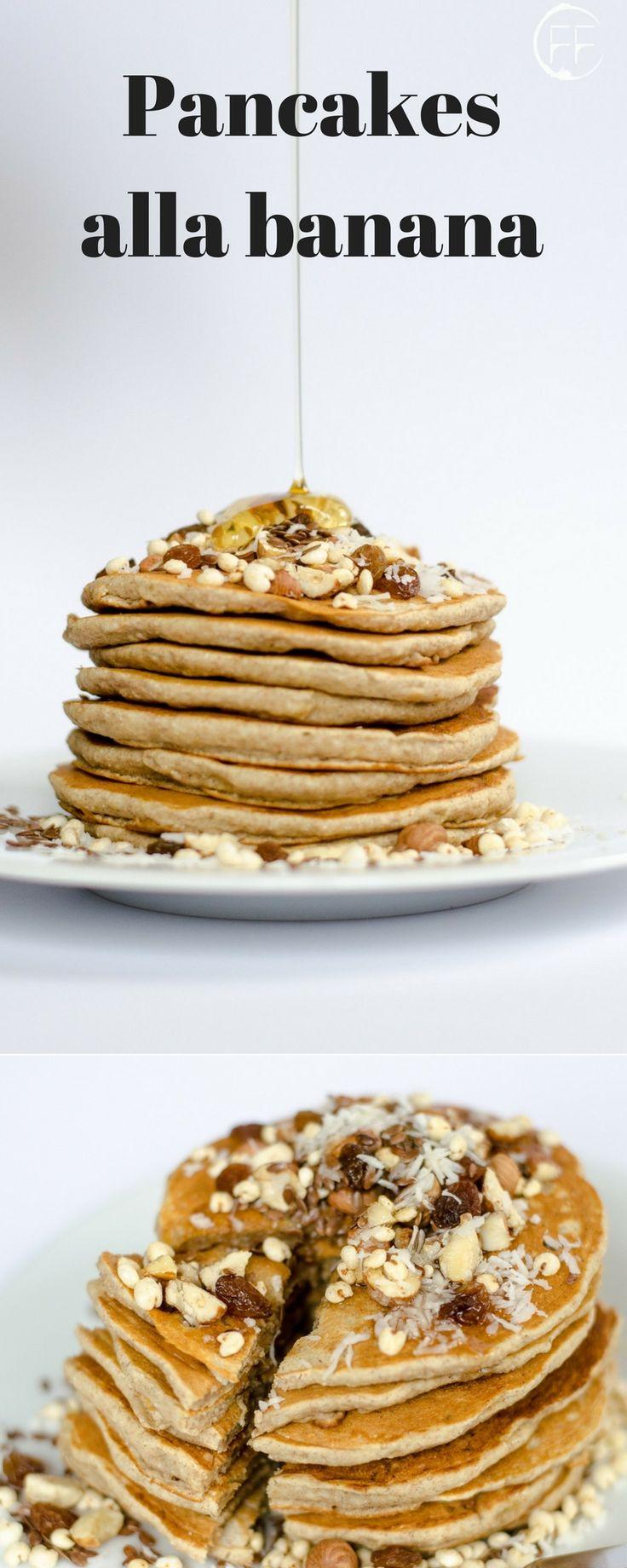 Pancakes vegan alla banana. Sul blog altre ricette vegan light, estive, dolci vegani, senza glutine, per la dieta, proteiche, vegetariane e vegane, veloci e facili in italiano.
