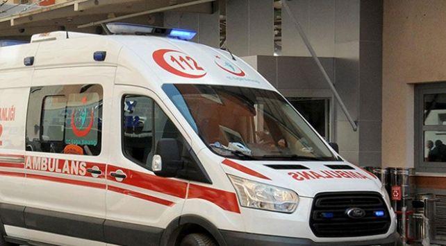 Bekir Güngör yönetimindeki 35 PK 403 plakalı yolcu otobüsü Altıntaş-Dumlupınar karayolunun 8'inci kilometresinde devrildi.Kazada yaralanan sürücü ile 23 yolcu, 112 Acil Servis ekiplerince Kütahya ve Uşak'taki hastanelere kaldırıldı.   #Arnavutluk #Balkan #Balkan Haberler #Balkan Rehberim #balkanlar #Haber #Haberler #Makedonya #BenimMutlulukFormülüm #57nciAlayaVefa #Eyİnsanoğlu #25NisanDünyaKaynan