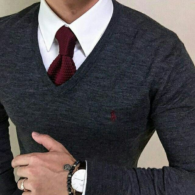 Not only do I love burgundy but daddy matched this to the GODS! Hot date after work outfit