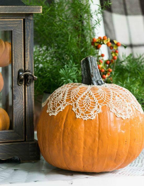 justbelieve2him:  Lace pumpkin..