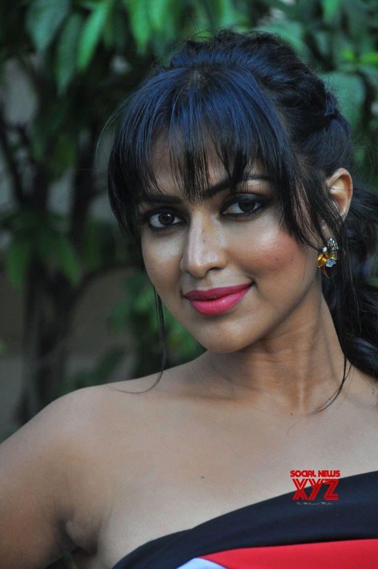 Actress Amala Paul Stills From Dongodochadu Movie Teaser Launch - Social News XYZ