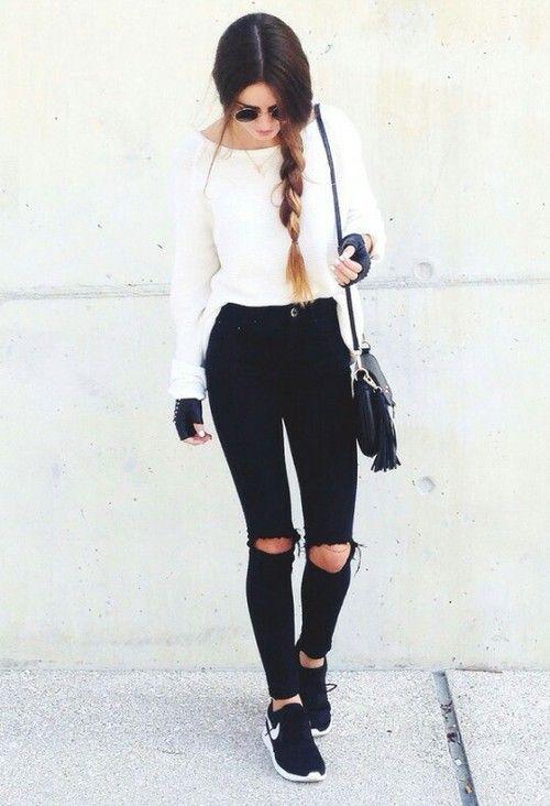 black outfit! Black nikes!