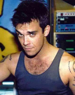 Robbie Williams. Looking quite nice!