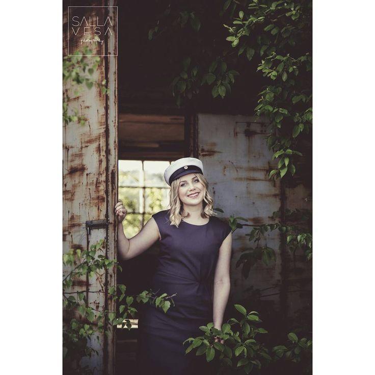 sallavesaphoto #photography #art #beautiful #happiness #capturedmoment #focus ylioppilas #kuvaus #graduate #pic #outdoorsession #finland #lahti #sallavesaphotography valokuvaaja lahti hollola www.facebook.com/sallavesaphotography www.500px.com/sallatu