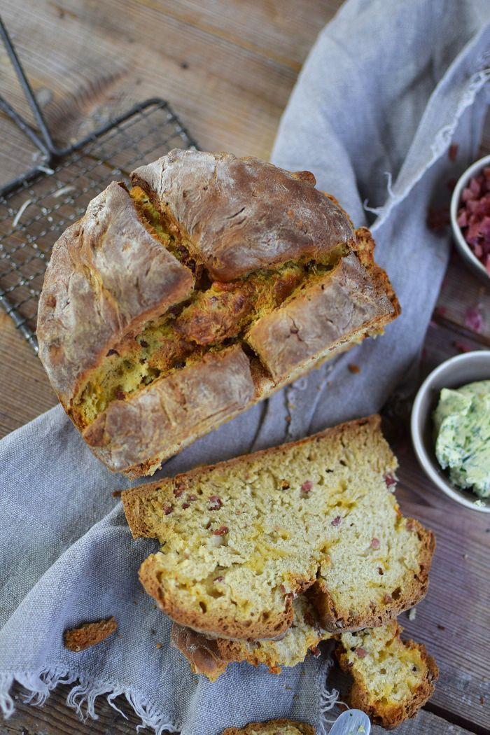 Einfaches Brot ohne Wartezeit mit Käse und Bacon | Das Knusperstübchen