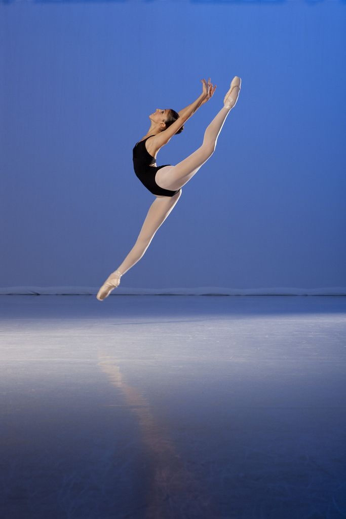 Yasmine Naghdi of the Royal Ballet School. Photo by John Loring, 2009.
