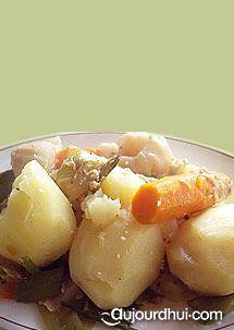 Les végétariens ont eux aussi le droit de savourer un fondant pot au feu. Avec cette recette de pot au feu végétarien, même les amateurs de viandes adopterons ce plat de légumes en accompagnement.