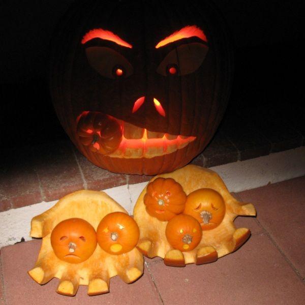 2010 Halloween Pumpkins - Hungry Pumpkin.